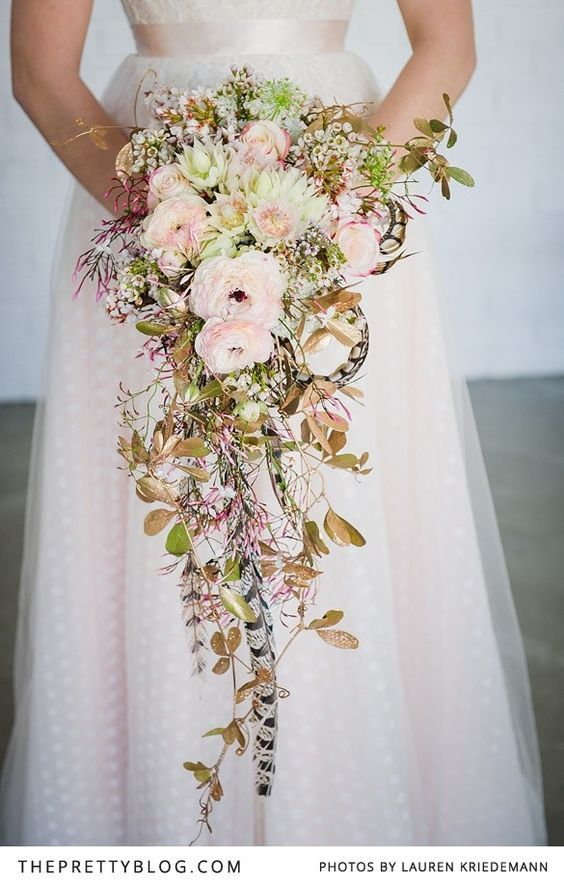 Soft pink & gold bouquet | Photographer: Lauren Kriedemann, Decor, Flowers & Styling : Green Goddess flower studio: