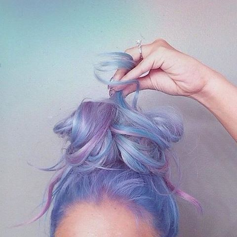 Manic Panic pink and purple look. Really loving the mermaid colour and the cute bun!