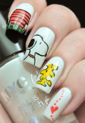 OMD Challenge Snoopy Nails! Hey, let's do this for the Christmas play! With pierced nails with red small jingle bells!