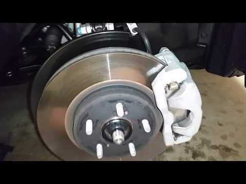 2018 2022 Toyota Camry Sedan Checking Front Brakes At 30k Miles Rotor Pads Caliper Bracket You
