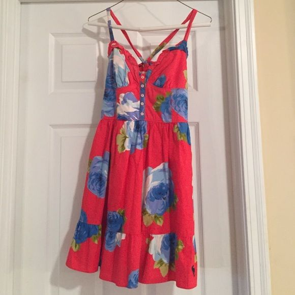 Abercrombie and Fitch dress Super cute Abercrombie and Fitch dress! It is a size small and looks absolutely adorable in the summer. In great condition! Abercrombie & Fitch Dresses