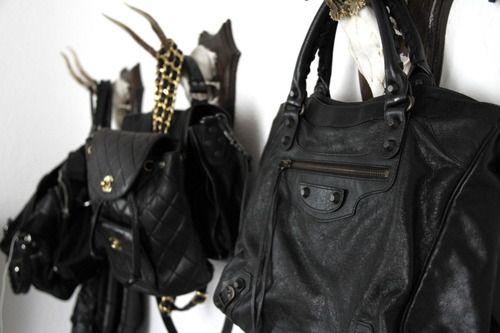 Black Bags, Coats Racks, Fashion Vintage, Fashion Bags, Matte Black, Design Bags, Leather Bags, Bags Closets, Vintage Chanel