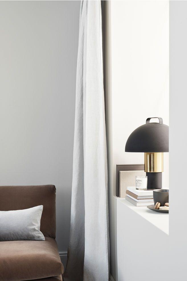 Stor bordlampe i metal SortGuld Home All | H&M DK