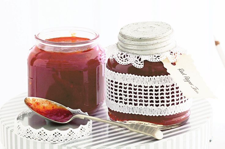 A perfect spread or a relish with meats, this jam makes the perfect gift http://www.taste.com.au/recipes/18719/capsicum+and+chilli+jam #jam #gift