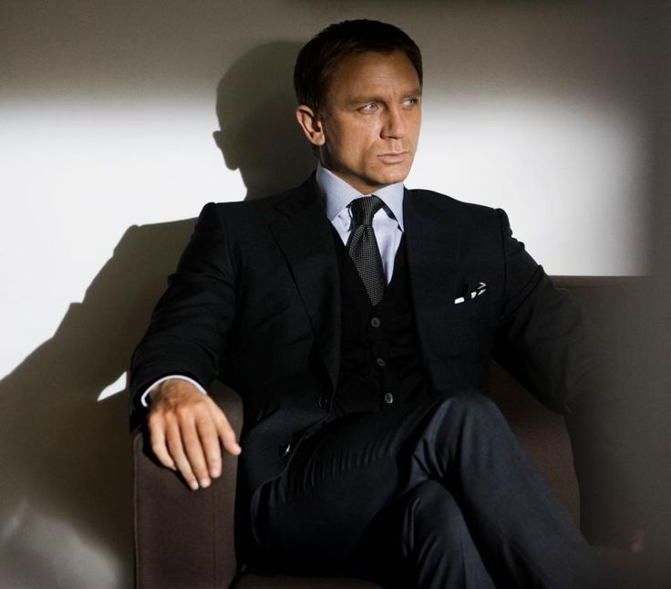 The Daniel Craig FixationJamesbond, Gentlemens Fashion,  Suits Of Clothing, James Bond, Danielcraig, People, Man, Daniel Craig Style, Suits And Ties For Women