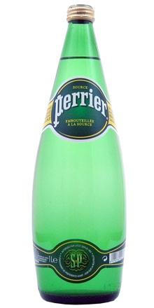 Famosa no mundo inteiro, engarrafada em Vergèze, no sul da França, PERRIER é símbolo de sofisticação e requinte. Uma água mineral natural reforçada com gás natural da fonte.