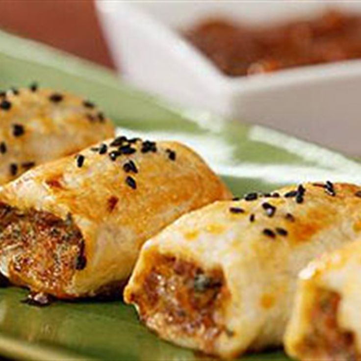 Try this Sausage Rolls recipe by Chef Justine Schofield . This recipe is from the show Everyday Gourmet.