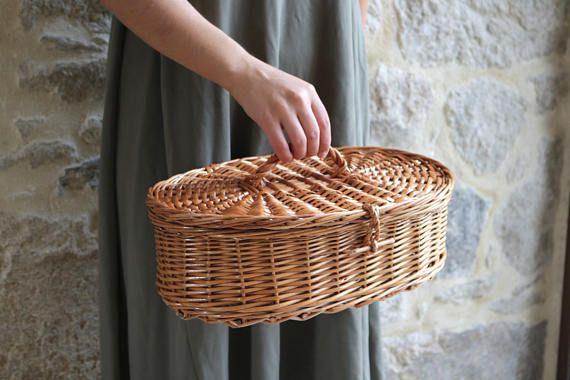 Oval basket, Basket with Lid, Round Wicker Basket, Round Bag, handmade in Portugal.