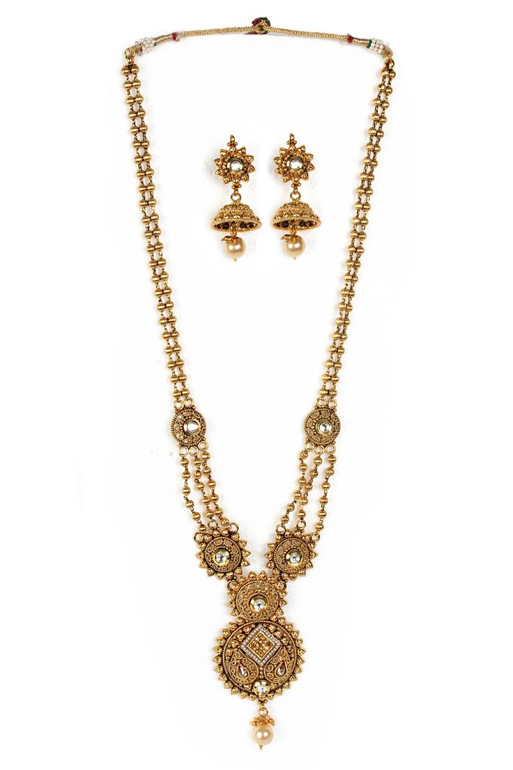Amazing Golden coloured Necklace Set #Golden #RoyalLook #WeddingJewellery #Rajwadi #Jewellery #NacklaceSet