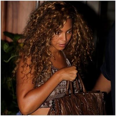 Consigli di bellezza, make-up, capelli e moda   MissBeckyB.com: Beyoncè con i suoi capelli al naturale