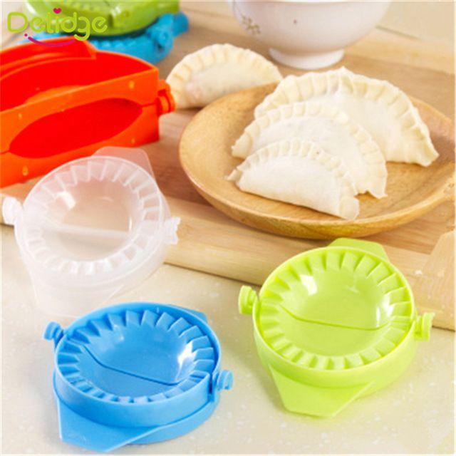 2 pz/set Gnocco Stampo di plastica 7.5 cm Dough Press Dumpling Pie Ravioli di Cottura Della Muffa Pasticceria Cibo Cinese Jiaozi Maker Strumento