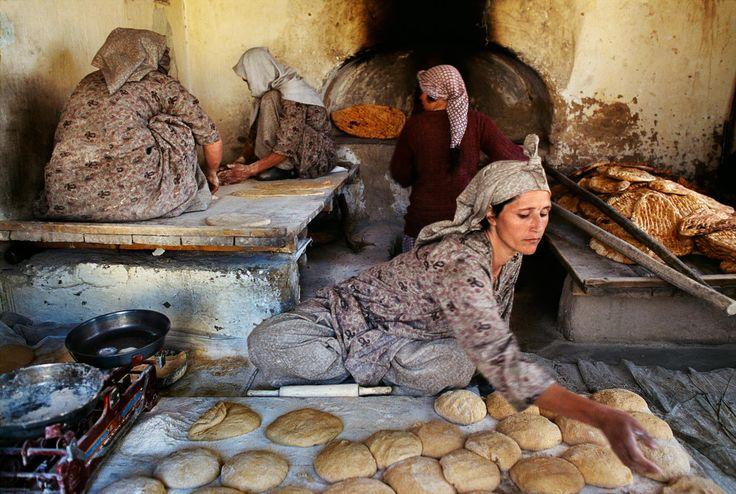 手机壳定制birkenstock slippers philippines price Afghanistan Steve McCurry
