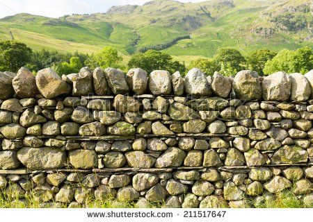 stock-photo-dry-stone-wall-in-the-north-of-england-countryside-in-the-lake-district-national-park-cumbria-uk-211517647.jpg (450×320)