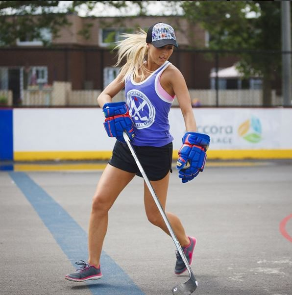 Putting the Beaut in Beauty since 02' #GONGSHOW #Hockey #HockeyGirl #Lifestyle