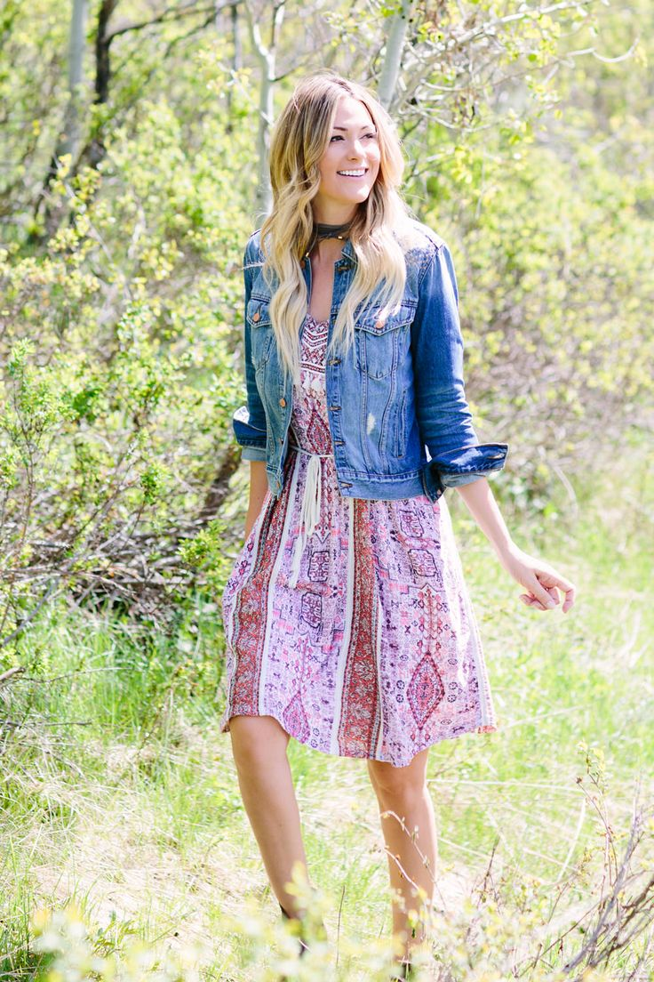 Keep it simple and stylish by pairing a dress with a denim jacket!