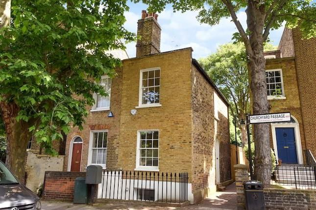 3 bed terraced house to rent in Camberwell Grove, London SE5 - £2,600 pcm