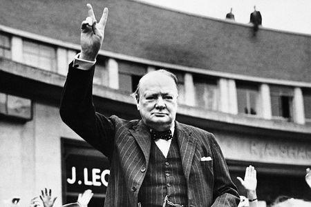 英国のウィンストン・チャーチル元首相=撮影日時不明(AFP=時事) ▼24Jan2015時事通信|チャーチル氏死去50年=「偉人」しのび各地で行事-英 http://www.jiji.com/jc/zc?k=201501/2015012400170 #Winston_Churchill ◆Winston Churchill - Wikipedia http://en.wikipedia.org/wiki/Winston_Churchill