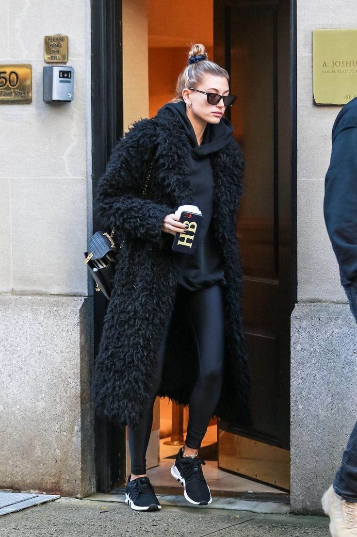 Hailey Bieber at a Doctor Office in New York 11/16/2018. #celebrity #fashion #celebrityfashion #celebritystyle #celebritystreetstyle #fallfashion #fal…