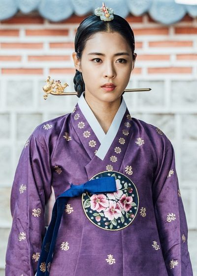 Splendid Politics (Hangul: 화정; hanja: 華政; RR: Hwajeong) is a 2015 South Korean television series starring Cha Seung-won, Lee Yeon-hee, Kim Jae-won. It aired on MBC. Prince Gwanghae, son of a concubine, usurps the Joseon throne from his father King Seonjo's direct bloodline. Gwanghae executes the favored legitimate son, and exiles his half-sister Princess Jeongmyeong. Banished from the palace, Jeongmyeong lives as a commoner disguised as a man while plotting her revenge. 정명공주 이연희