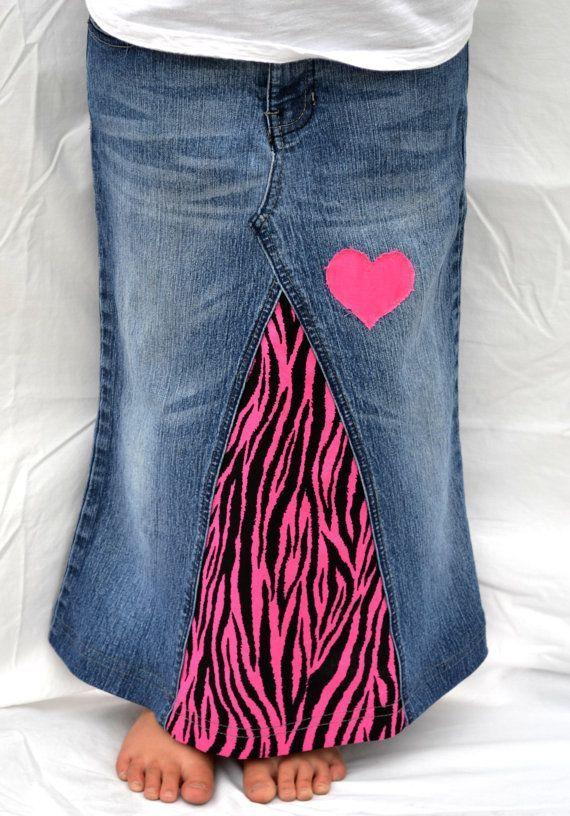 Mädchen langen Jeansrock, Spaß und einzigartige Pink Zebra Print, Custom auf Ihre Größe und gewünschten Stoff, 2T-Preteen, Upcycled Denim