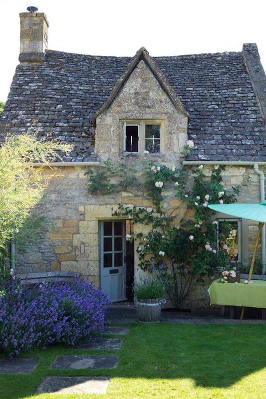 Les 25 meilleures id es de la cat gorie cottages anglais for Exterieur anglais