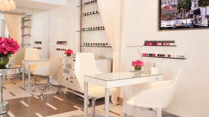 The Nail Bar At Beverly Wilshire A Four Seasons Hotel Plays Quot Pretty Woman Quot On Repeat Best