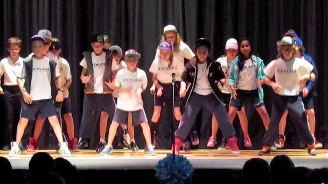 The Grade 5 Students - Performing 'Stompa' on Vimeo>>> SERENA love!