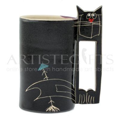 Κούπα Κεραμική Μακρόστενη Μαύρος Γάτος. Αποκτήστε το online πατώντας στον παρακάτω σύνδεσμο http://www.artistegifts.com/koupa-keramiki-makrosteni-mavros-gatos.html
