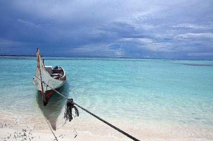 Beautiful Mabul Island off the coast of Semporna, Sabah, Malaysia.