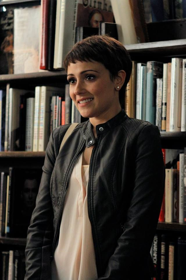 "#ChasingLife 1x18 ""Rest in Peace"" - April"