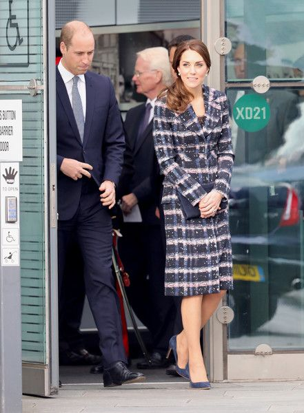 Kate Middleton Photos Photos - Prince William, Duke of Cambridge and Catherine, Duchess of Cambridge after touring the National Football Museum during their visit to Manchester on October 14, 2016 in Manchester, England. - The Duke & Duchess Of Cambridge Visit Manchester