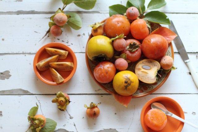 Ricetta caramelle alla frutta - Per gustare i cachi in maniera insolita provate a trasformarli in tante dolci caramelle: la ricetta di Stefania Rossini.