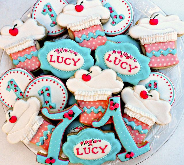 Vintage cupcake - 1 Year Birthday! by Vicki's Sweets, via Flickr