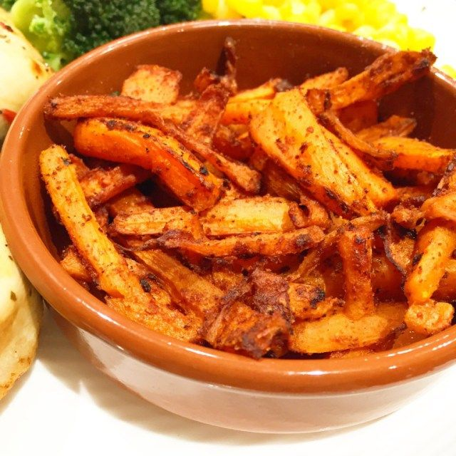 Slimming World Syn Free Paprika & Chilli Carrot Chips