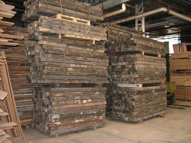 Lotes de madeira de demolição - Madeireira. Acesse nosso site www.madeiradedemolicao.com