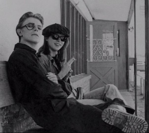 1975 - David Bowie as Thomas Newton and Candy Clark as Mary-Lou in The Man Who Fell To Earth film (backstage photo) 70s.