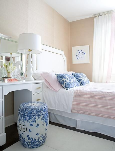 Like The Accents Of Blue And White In This Peachy/pink Bedroom. : Via  Samantha Pynn