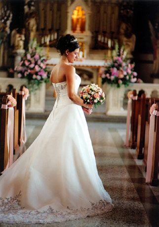 Wedding poses - bride