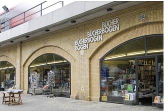 Bücherbogen am Savignyplatz GmbH Stadtbahnbogen 593 10623 Berlin (Charlottenburg) E-Mail: info@buecherbogen.com Telefon: 030 31 86 95 11 * bookshop * berlin