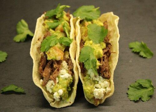 Hovězí tacos s guacamole  http://www.naskokvkuchyni.cz/hovezi-tacos-s-guacamole/