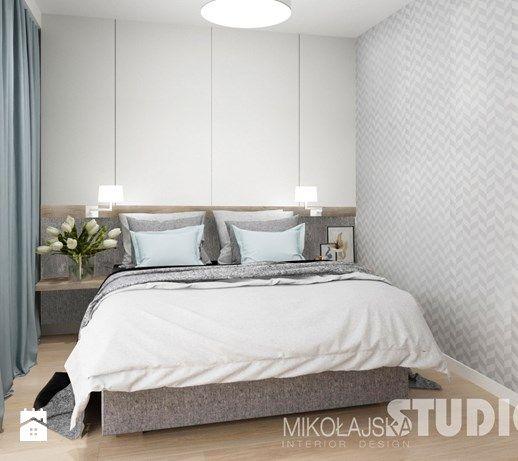 Aranżacje wnętrz - Sypialnia: sypialnia-jasna-szara-tapeta-w-sypialni-drewno-błękit-pastele-pastalowa - MIKOŁAJSKAstudio. Przeglądaj, dodawaj i zapisuj najlepsze zdjęcia, pomysły i inspiracje designerskie. W bazie mamy już prawie milion fotografii!