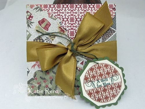 Uses for old Christmas cards: Christmas Cards Repurposed, Gifts Wraps, Gift Cards, Gifts Cards Holders, Gift Card Holders