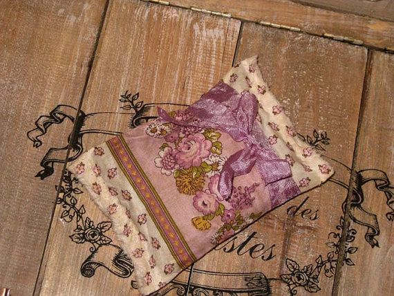 Limited Edition French Lavender Sachets Handmade with Fabric from Aix en Provence Ooh La La ESC AIX015