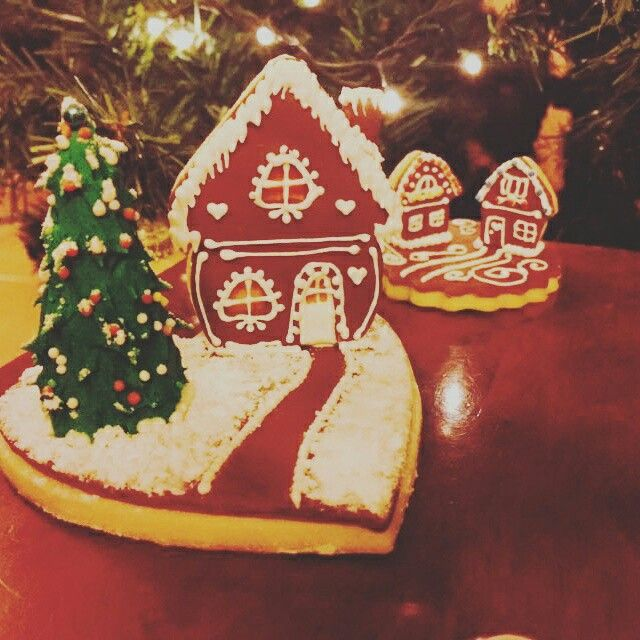 Christmas cookies gingerbread houses with tree