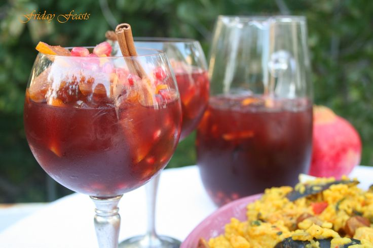 Pomegranate & Orange Sangria  3 Traditional Spanish Recipes with a Twist for a Friday Fiesta | Friday Feasts  http://2via.me/iv4OnzxL11