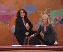Tina Fey & Amy Poehler's 'SNL' Monologue Introduces Your New Favorite Christmas Song