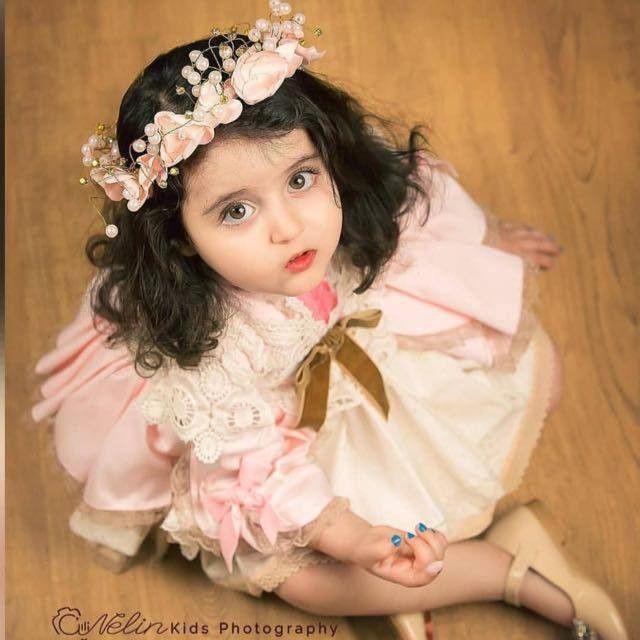 العيش بروح طفلة صغيرة يجعلك تستمتعين بحياتك عيشي حياتك ولاتهتمي لعمرك Flower Girl Dresses Wedding Dresses Girls Dresses