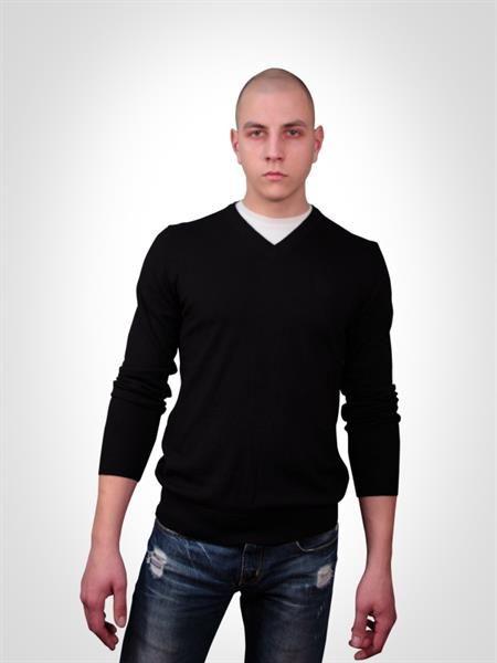 Черные мужские свитера