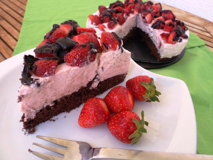 Strawberry tart | Sommerlich fruchtige Erdbeersahnetorte
