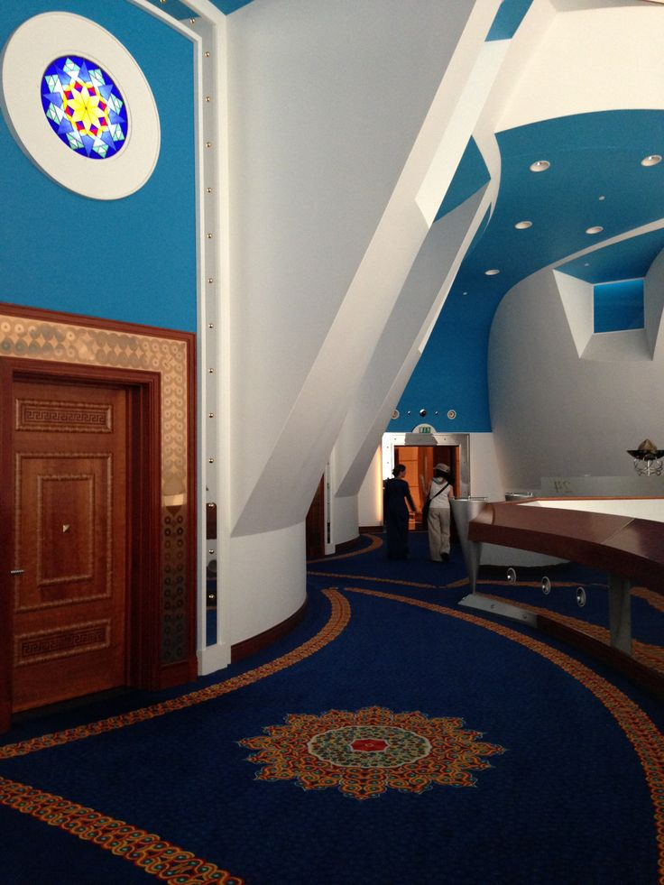 Entrance to one of the hotel 39 s suites burjalarab dubai for Sail shaped hotel dubai